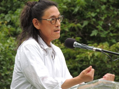 a story li young lee Li-young lee was born in djakarta lee traces his family's path from indonesia to pennsylvania in a memoir that is noted for both its compelling story and lyric.