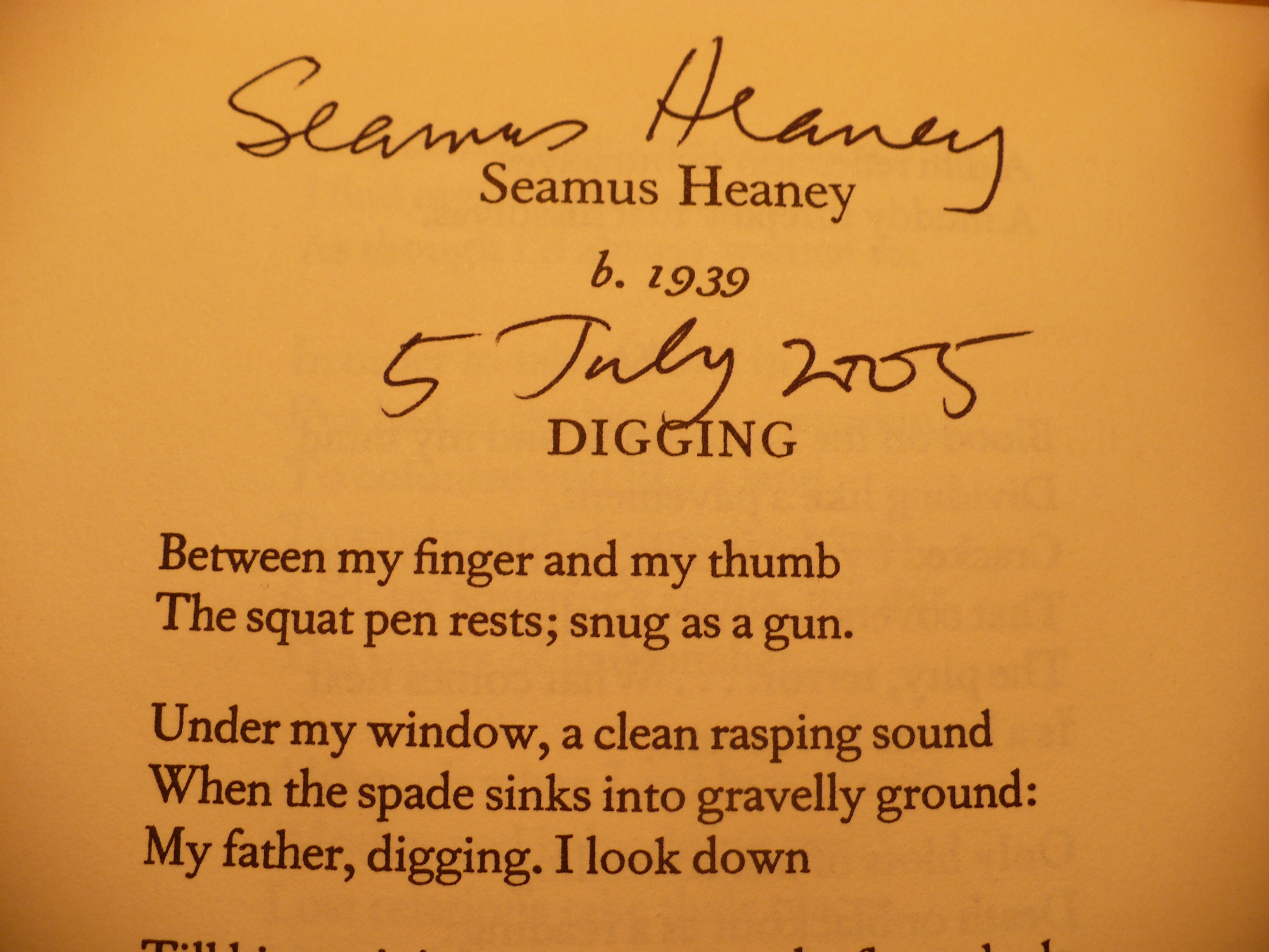 an analysis of the seamus heanerys digging in the modernist theme of mechanization The forge by seamus heaney analysis of a poem — mid term break by seamus heaney in mid term break by seamus heaney, how does the poet manage to convey a sense of his grief mid term break by seamus heaney is a poem in which the writer gives an.